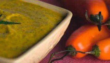 Salsa de ají amarillo y huacatay